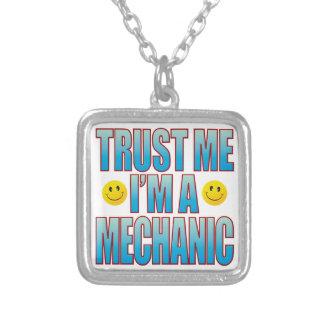 Confíeme en la vida B del mecánico Colgante Cuadrado