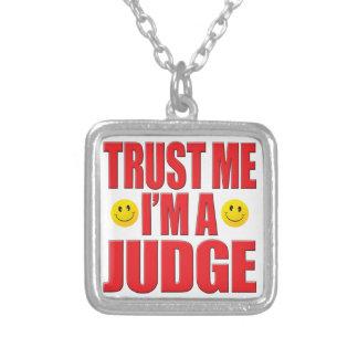 Confíeme en vida del juez grimpola