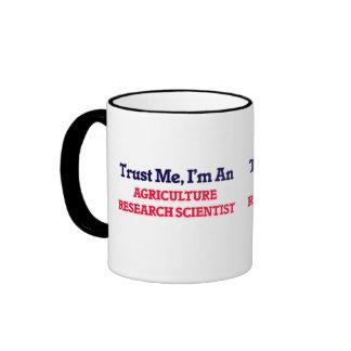 Confíeme en, yo son un científico de la taza de dos colores