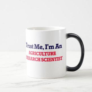 Confíeme en, yo son un científico de la taza mágica