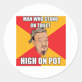 Confucio dice arriba en el pote pegatina redonda
