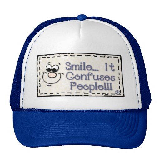 confundir-gente gorras