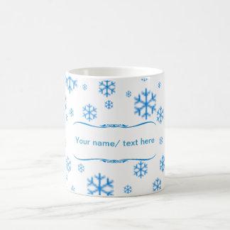 Congelado, taza del estilo del invierno con las es