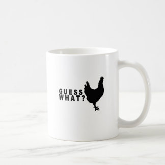 Conjetura qué camiseta .png del extremo del pollo taza básica blanca