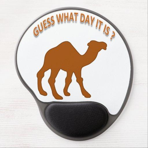 ¿Conjetura qué día es? Camello del día de chepa -  Alfombrilla Gel