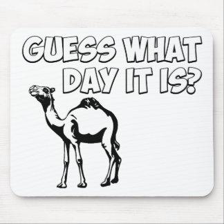 ¿Conjetura qué día es? Camello del día de chepa Alfombrillas De Raton