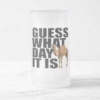 Conjetura qué día es camello del día de chepa taza cristal mate