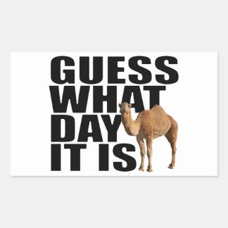 Conjetura qué día es pegatinas del camello del día rectangular altavoz