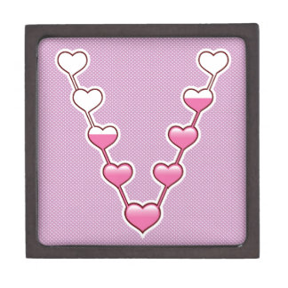 Connected hearts gift box