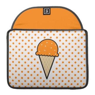 Cono de helado anaranjado funda para macbooks