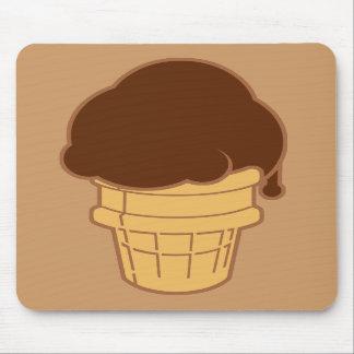 Cono de helado de chocolate tapete de raton