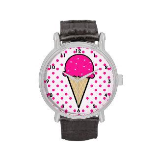 Cono de helado de las rosas fuertes reloj de mano