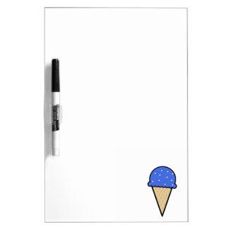 Cono de helado del azul real pizarras blancas