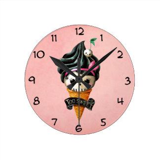 Cono de helado femenino del cráneo reloj de pared