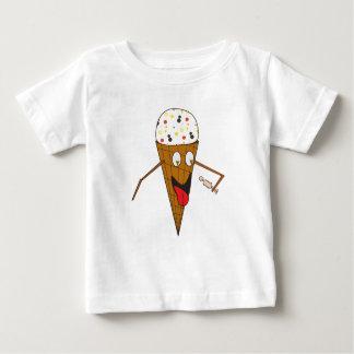 Cono de helado que lame a un bebé T de la persona Playera De Bebé