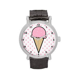 Cono de helado rosa claro relojes