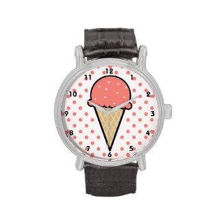 Cono de helado rosado coralino relojes