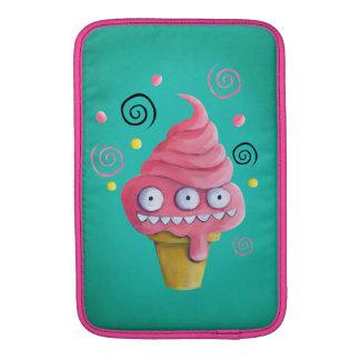 Cono de helado rosado del monstruo funda  MacBook