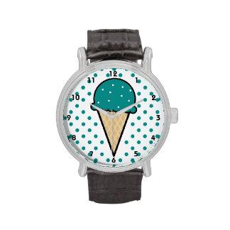 Cono de helado verde del trullo reloj de mano