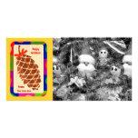 Cono del pino con la frontera colorida tarjetas con fotos personalizadas
