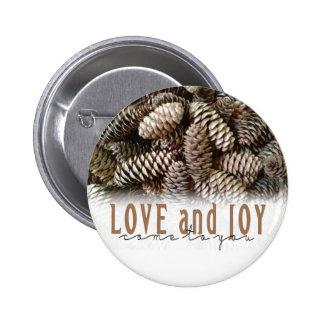 Cono rústico del pino del amor y de la alegría del pin redondo de 2 pulgadas