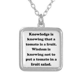 Conocimiento y sabiduría colgantes personalizados