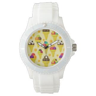 Conos de helado coloridos del dibujo animado relojes de pulsera