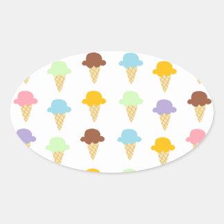 Conos de helado coloridos pegatina ovalada