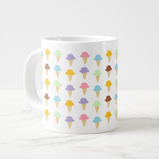 Conos de helado coloridos taza de café gigante