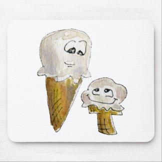 Conos de helado lindos del dibujo animado tapetes de raton