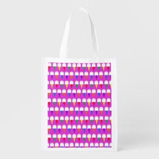 Conos del arco iris en rosa purpurino