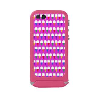 Conos del arco iris en rosa purpurino carcasa de iphone 5 incipio atlas id