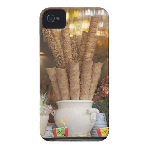 Conos del gelato del helado en la exhibición de la iPhone 4 Case-Mate protector