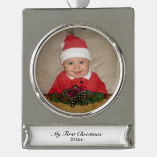 Conos del pino y navidad de la cinta primer adornos personalizables