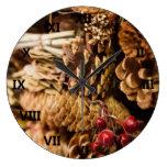 Conos festivos del pino reloj