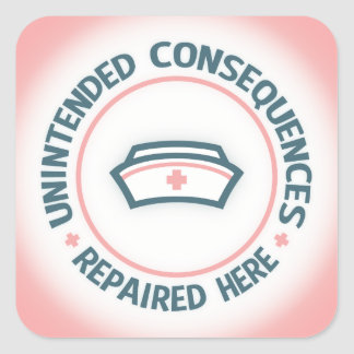 Consecuencias involuntarias reparadas pegatina cuadrada