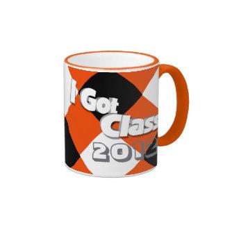 Conseguí la clase 2012 taza a anaranjada y negra