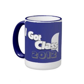Conseguí la clase 2012 taza a azul y blanca