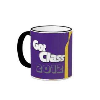 Conseguí la clase 2012 taza a púrpura y del Amaril