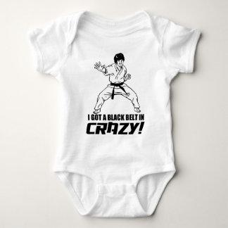 Conseguí una correa negra en loco body para bebé