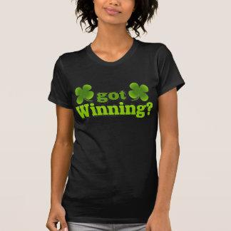 ¿Conseguido que gana?  Camisa de cuatro tréboles
