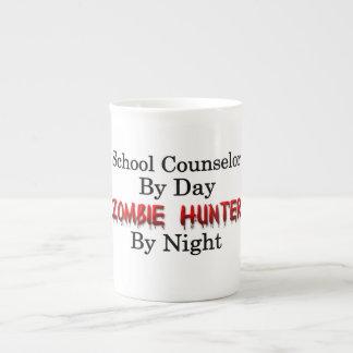 Consejero de la escuela/cazador del zombi taza de porcelana