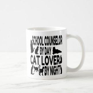 Consejero de la escuela del amante del gato taza básica blanca