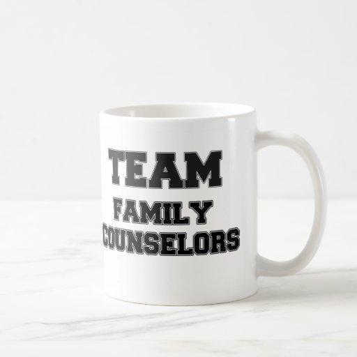 Consejeros de la familia del equipo taza básica blanca