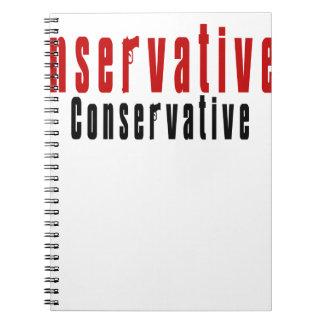 Conservador con un arma cuaderno