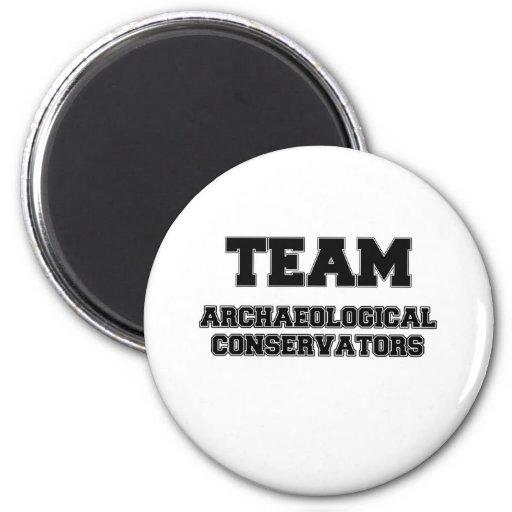 Conservadores arqueológicos del equipo imanes de nevera