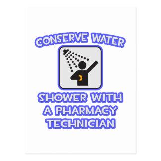 Conserve el agua. Ducha con tecnología de la farma Tarjetas Postales