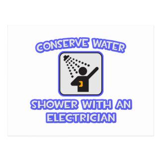 Conserve el agua. Ducha con un electricista Postal