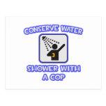Conserve el agua. Ducha con un poli Postal