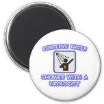 Conserve el agua. Ducha con un urólogo Imanes De Nevera